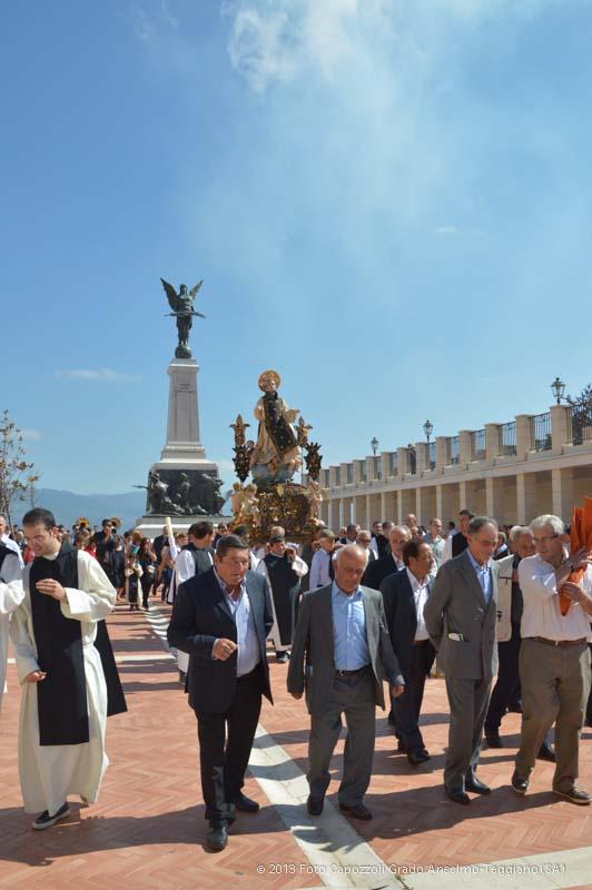 In piazza 4 novembre for Arredare milano piazza iv novembre