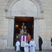 inizio-processione da chiesa san francesco