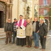 foto-ricordo-davanti-la-cattedrale