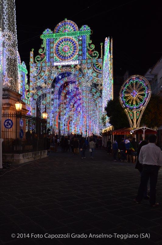 Luminarie Tricentenario Statua di San Cono 03