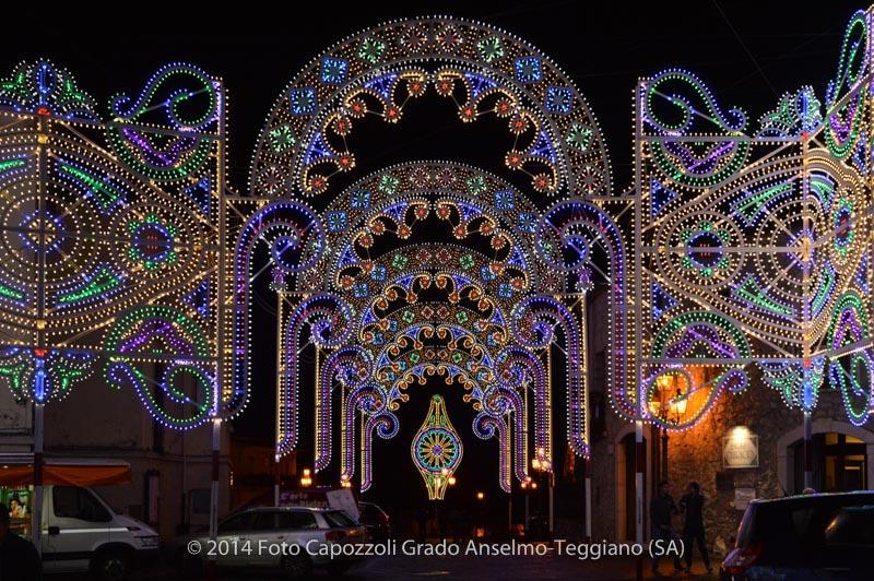 Luminarie Tricentenario Statua di San Cono 08