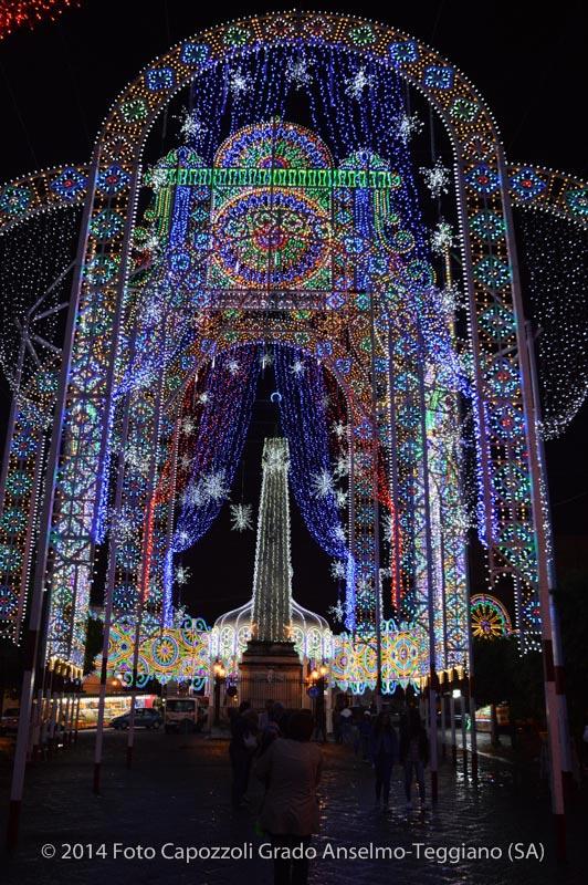 Luminarie Tricentenario Statua di San Cono 11