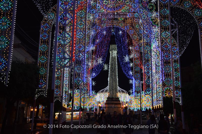 Luminarie Tricentenario Statua di San Cono 12