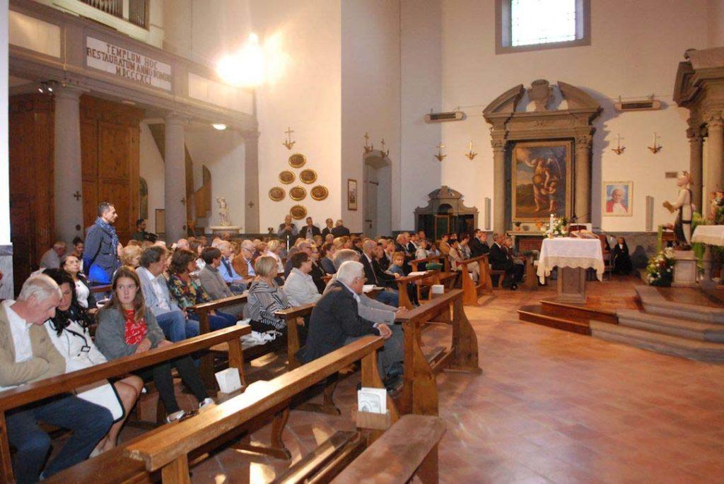 I devoti presso il Santuario Madonna dell'Acqua a Cascina (Pisa) per la messa di San Cono 2017